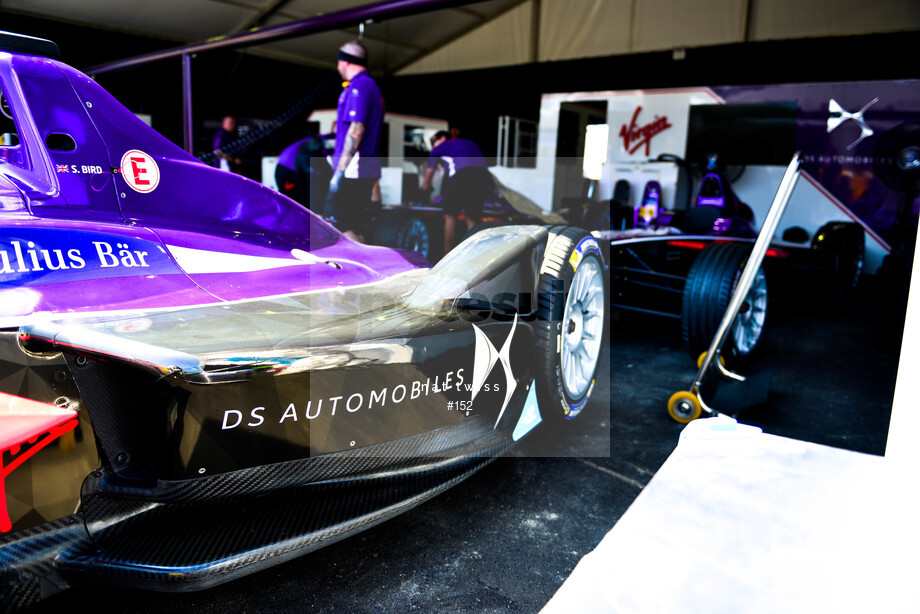Spacesuit Collections Image ID 152, Nat Twiss, Hong Kong ePrix, Hong Kong, 06/10/2016 11:48:28