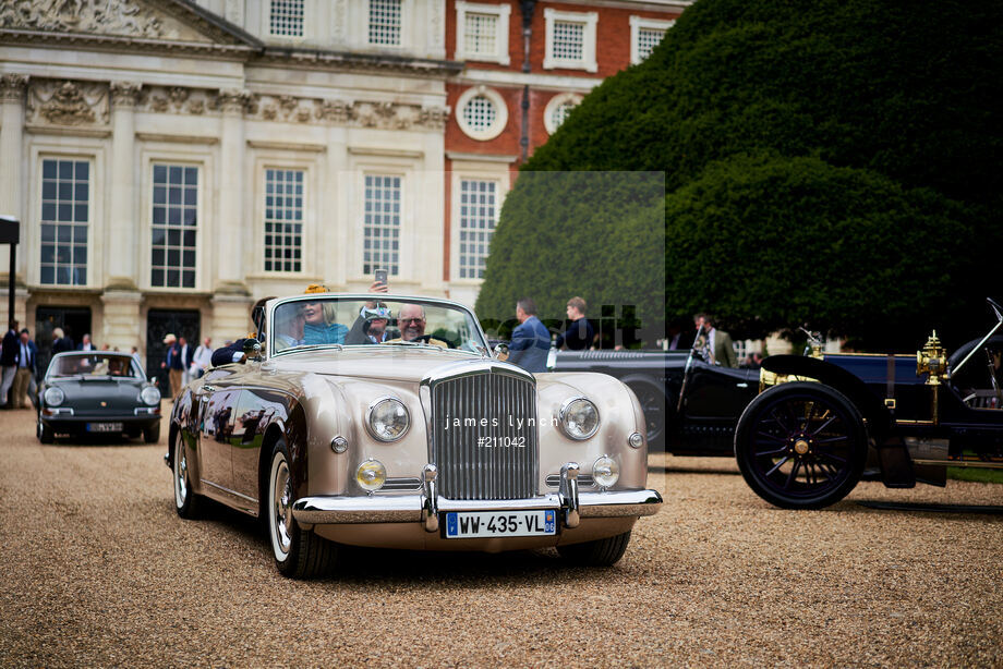 Spacesuit Collections Image ID 211042, James Lynch, Concours of Elegance, UK, 04/09/2020 15:26:55