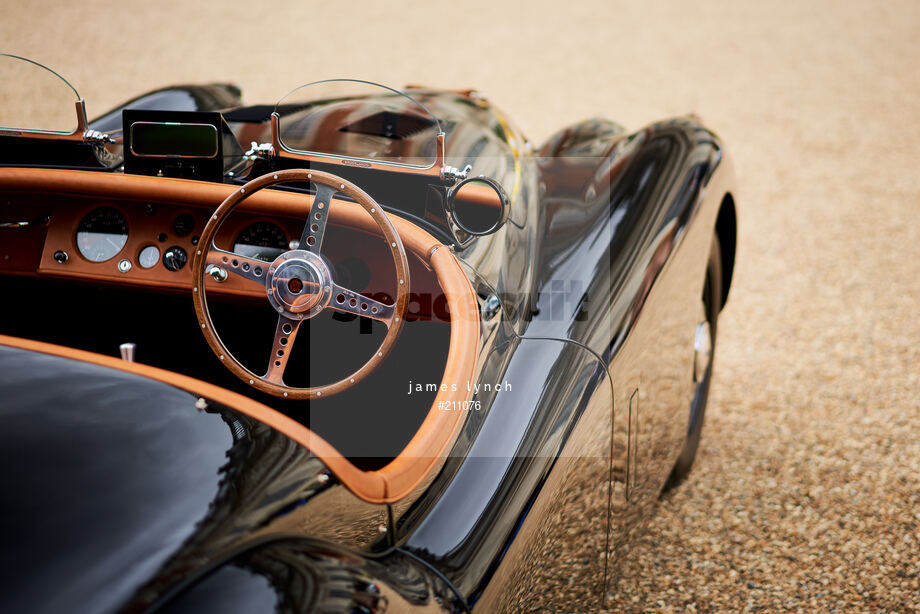 Spacesuit Collections Image ID 211076, James Lynch, Concours of Elegance, UK, 04/09/2020 13:41:07