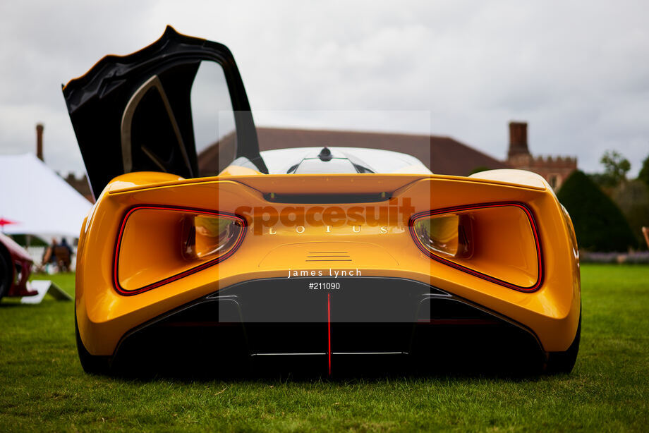 Spacesuit Collections Image ID 211090, James Lynch, Concours of Elegance, UK, 04/09/2020 13:08:23