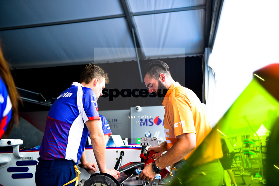 Spacesuit Collections Image ID 337, Nat Twiss, Hong Kong ePrix, Hong Kong, 07/10/2016 13:03:23