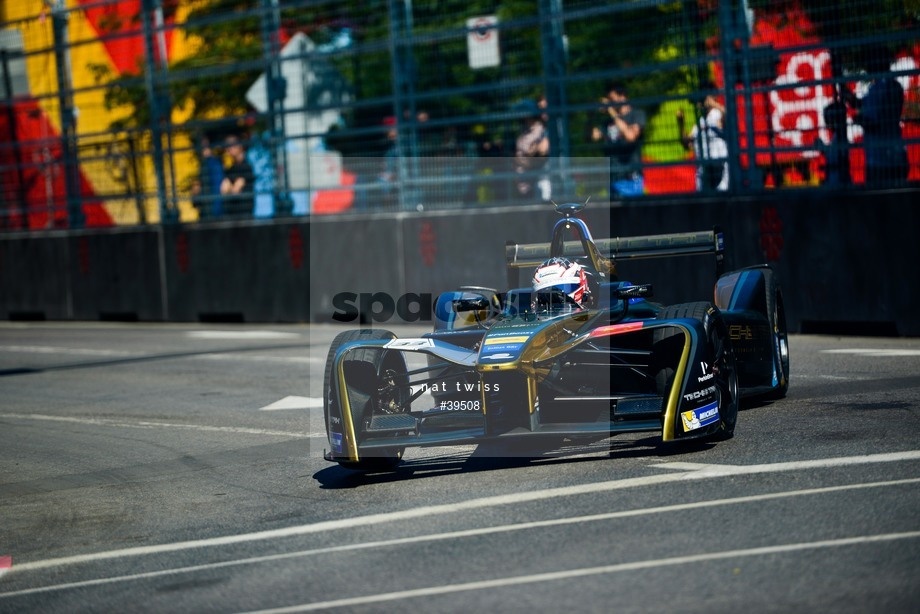 Spacesuit Collections Image ID 39508, Nat Twiss, Montreal ePrix, Canada, 29/07/2017 10:30:44