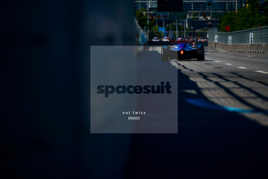 Spacesuit Collections Image ID 39553, Nat Twiss, Montreal ePrix, Canada, 29/07/2017 10:37:59