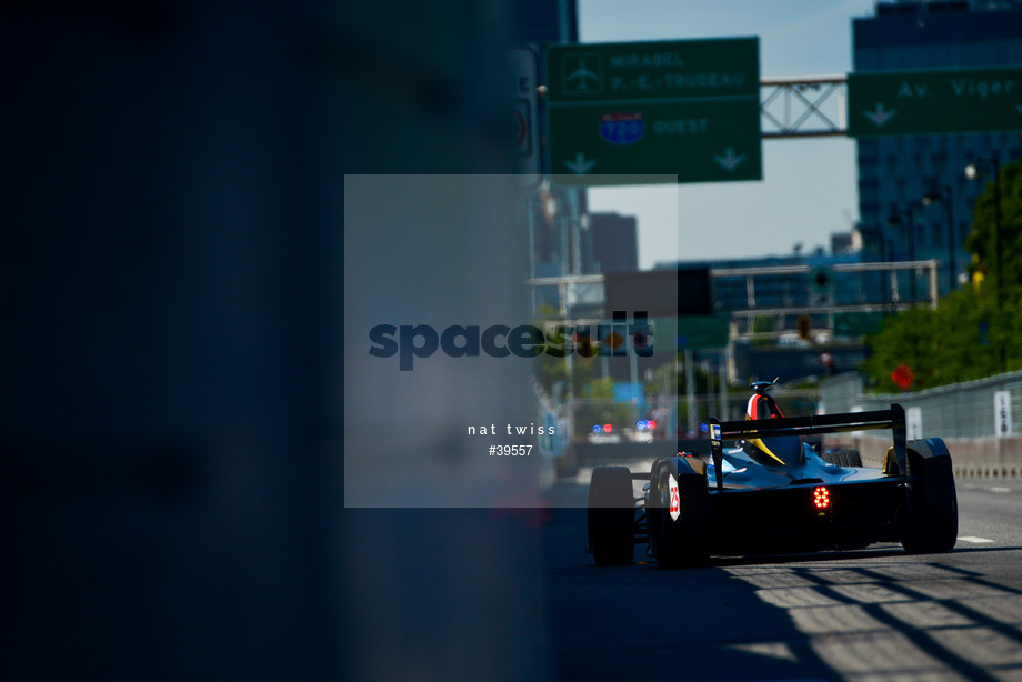 Spacesuit Collections Image ID 39557, Nat Twiss, Montreal ePrix, Canada, 29/07/2017 10:38:54