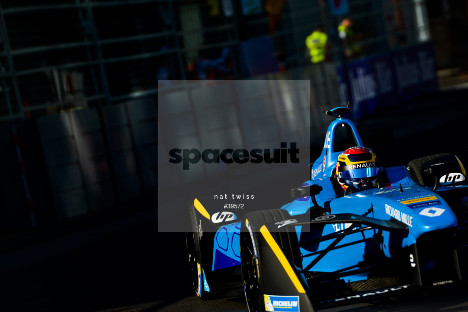 Spacesuit Collections Image ID 39572, Nat Twiss, Montreal ePrix, Canada, 29/07/2017 08:04:30