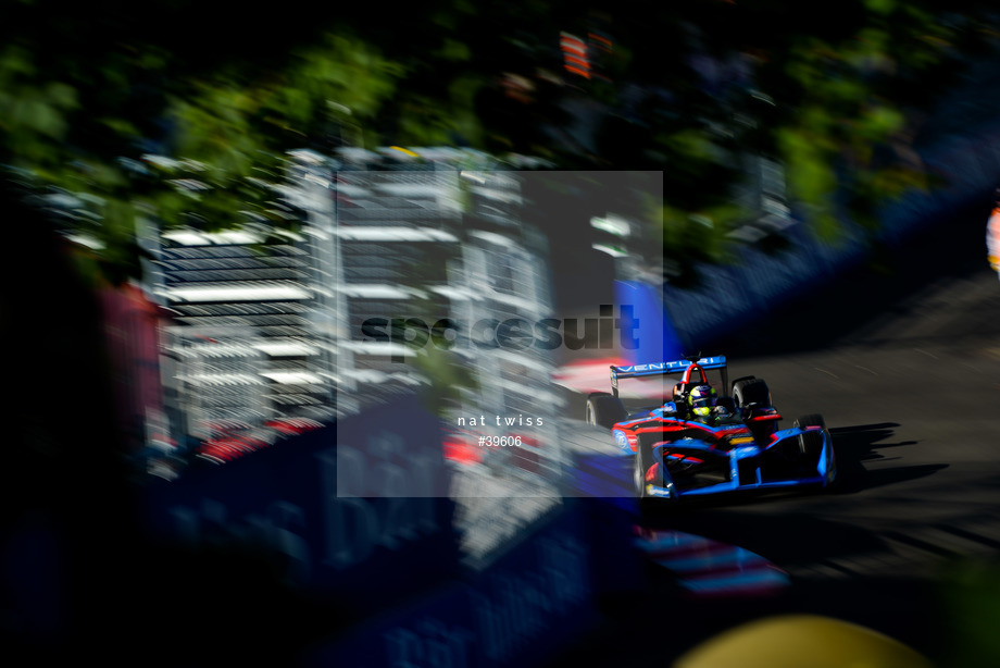 Spacesuit Collections Image ID 39606, Nat Twiss, Montreal ePrix, Canada, 29/07/2017 08:17:12