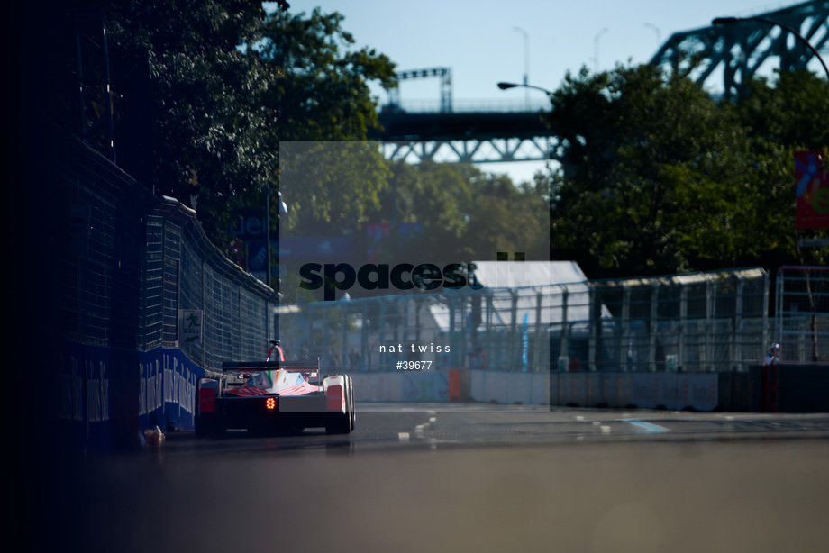 Spacesuit Collections Image ID 39677, Nat Twiss, Montreal ePrix, Canada, 29/07/2017 08:21:27