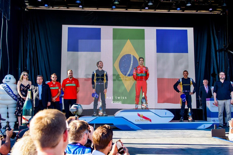 Spacesuit Collections Image ID 39896, Nat Twiss, Montreal ePrix, Canada, 29/07/2017 17:18:07