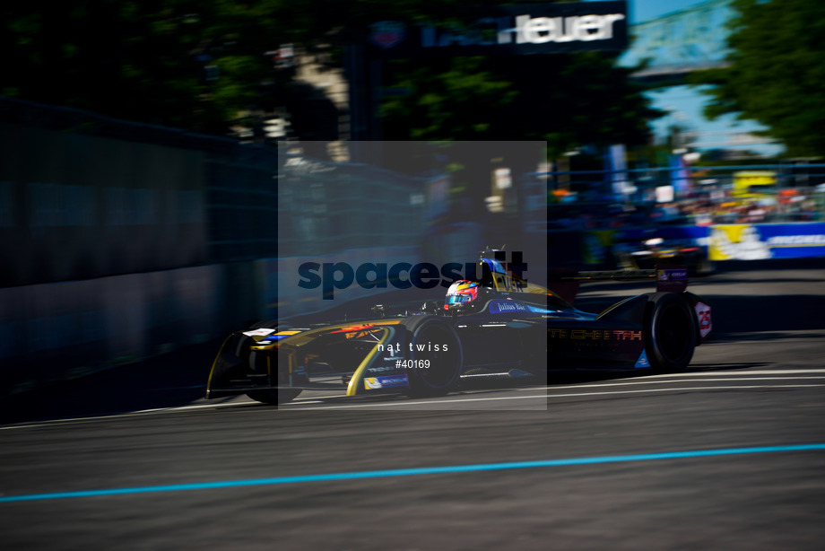 Spacesuit Collections Image ID 40169, Nat Twiss, Montreal ePrix, Canada, 29/07/2017 16:33:47