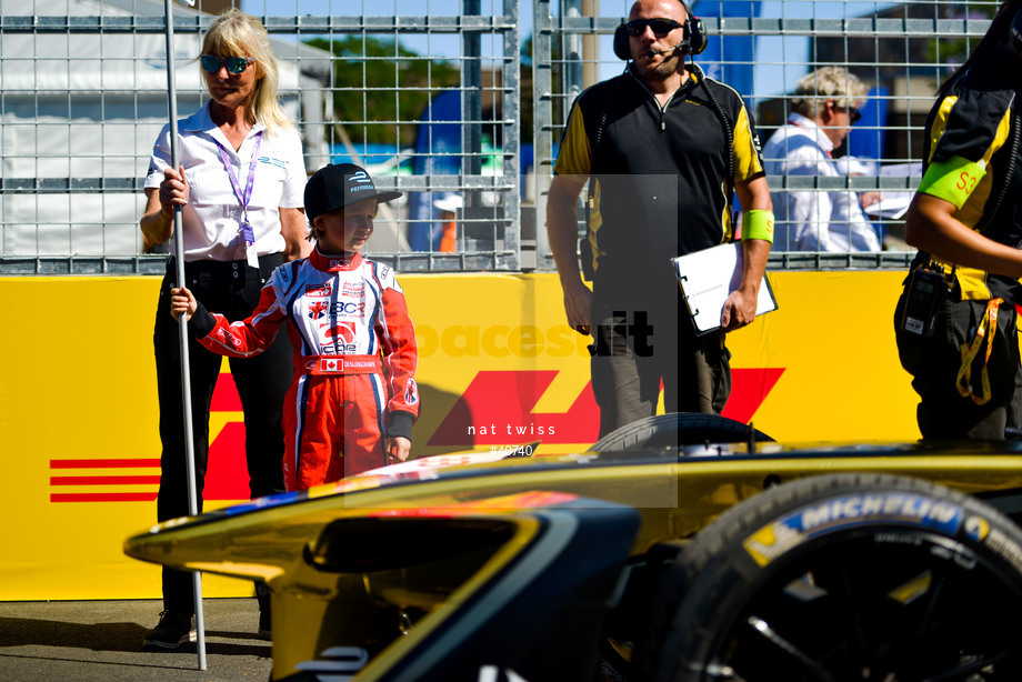 Spacesuit Collections Image ID 40740, Nat Twiss, Montreal ePrix, Canada, 29/07/2017 15:28:46