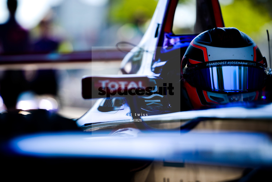 Spacesuit Collections Image ID 40826, Nat Twiss, Montreal ePrix, Canada, 30/07/2017 15:22:24