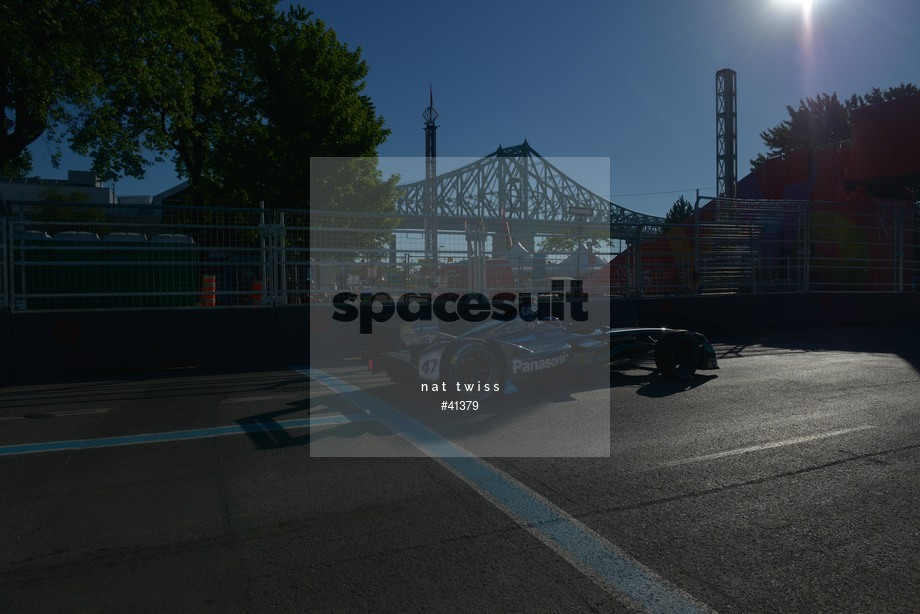 Spacesuit Collections Image ID 41379, Nat Twiss, Montreal ePrix, Canada, 30/07/2017 08:04:23