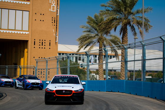 Lou Johnson, Jaguar i-Pace eTrophy, Saudi Arabia, 14/12/2018 12:30:15 Thumbnail