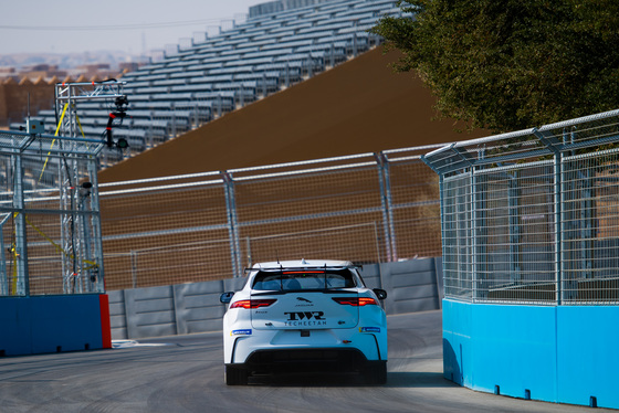 Lou Johnson, Jaguar i-Pace eTrophy, Saudi Arabia, 14/12/2018 12:38:42 Thumbnail