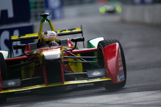 Shivraj Gohil, London ePrix, UK, 28/06/2015 08:16:09 Thumbnail