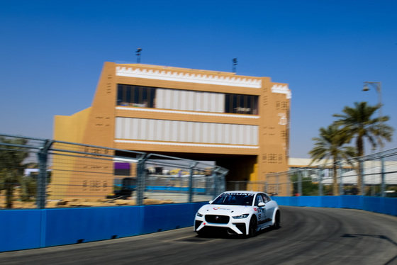 Lou Johnson, Jaguar i-Pace eTrophy, Saudi Arabia, 14/12/2018 12:37:27 Thumbnail