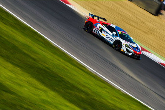 Jamie Sheldrick, British GT Brands Hatch, UK, 06/08/2017 14:21:30 Thumbnail