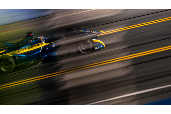 Shivraj Gohil, Long Beach ePrix, 04/04/2015 11:21:34 Thumbnail