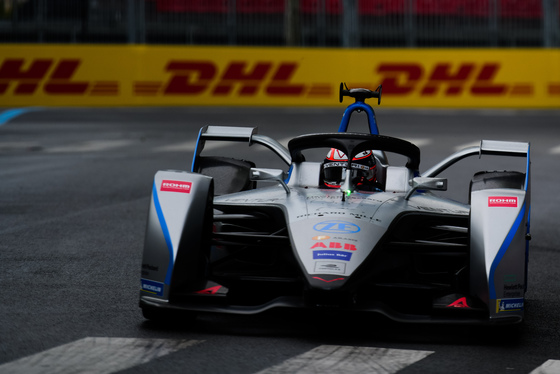Lou Johnson, Paris ePrix, France, 27/04/2019 07:44:36 Thumbnail