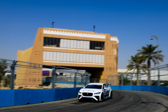 Lou Johnson, Jaguar i-Pace eTrophy, Saudi Arabia, 14/12/2018 12:38:04 Thumbnail