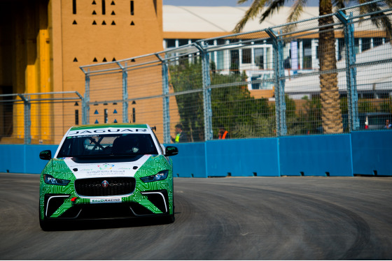 Lou Johnson, Jaguar i-Pace eTrophy, Saudi Arabia, 14/12/2018 12:32:28 Thumbnail
