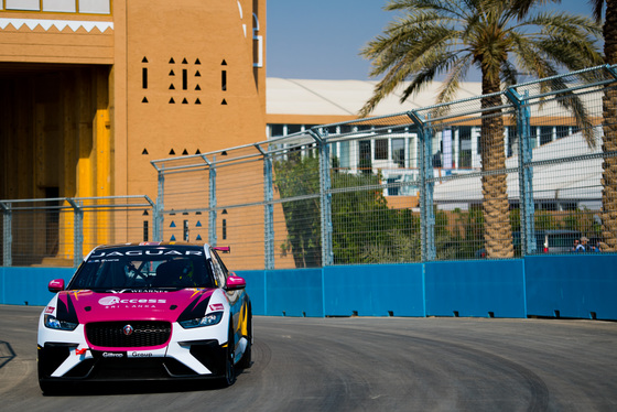 Lou Johnson, Jaguar i-Pace eTrophy, Saudi Arabia, 14/12/2018 12:32:19 Thumbnail